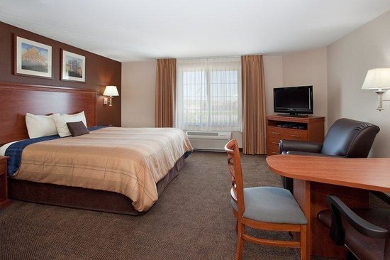 Candlewood Suites Loveland: Studio apartment style living in Loveland, Colorao.