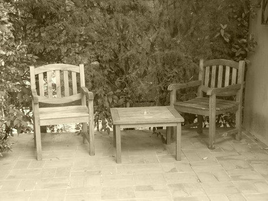 Les Jardins de Cassis : Private patio