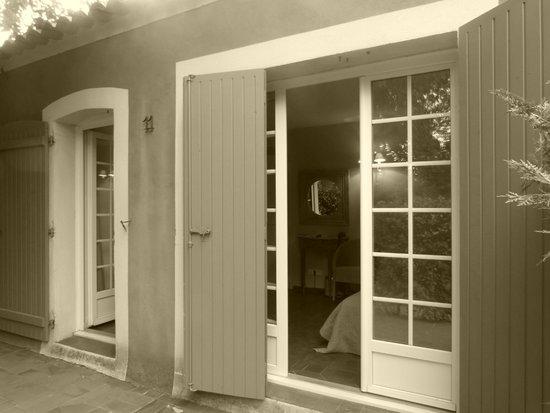 Les Jardins de Cassis : Entrance to suite