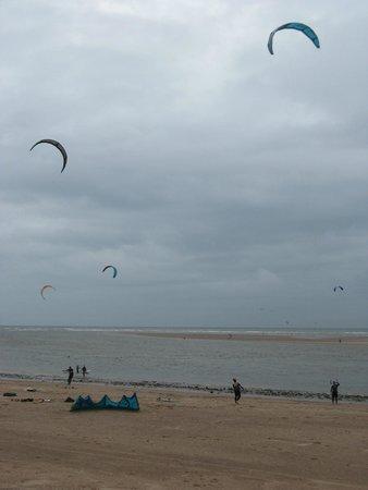 Exmouth Beach : A breezy day