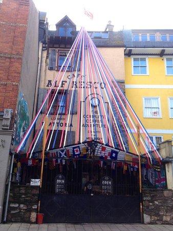 Cafe Alf Resco: Alf's street view