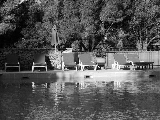 Les Jardins de Cassis : swimming pool