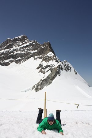 Jungfraujoch : first time to touch snow