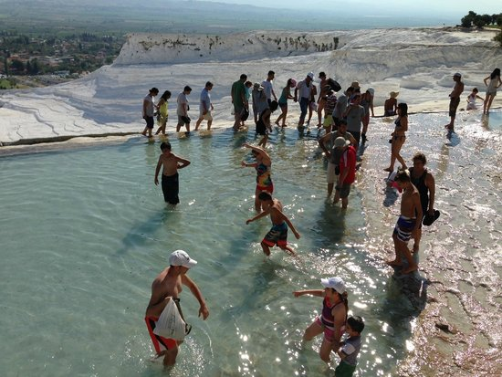 Pamukkale Hijackers : Take off your shoes