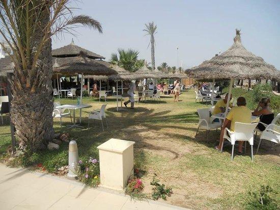 Vincci Nozha Beach Resort : ristorante in spiaggia