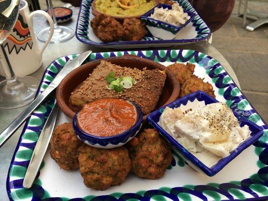El Piano : Tasty moussaka, falafels and potato salad