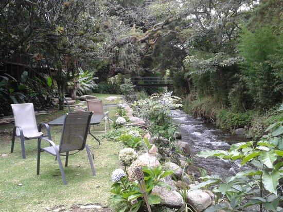 Hostal Garden by Refugio del Rio: area del rio