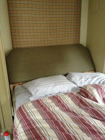 MacKenzie Beach Resort: murphy bed