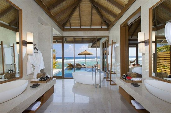 Anantara Veli Maldives Resort: Ocean Pool Bungalow Bathroom
