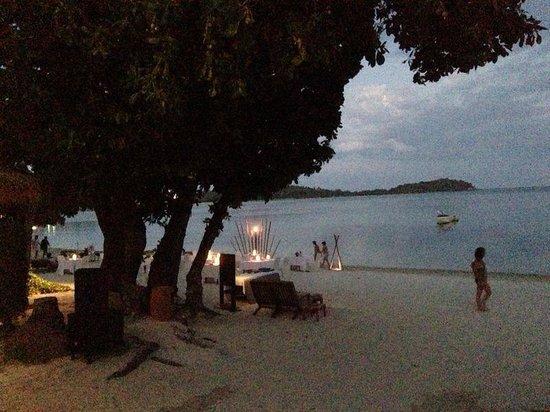 Amari Koh Samui : beach at night