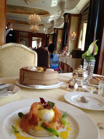 Island Shangri-La Hong Kong: breakfast in Petrus