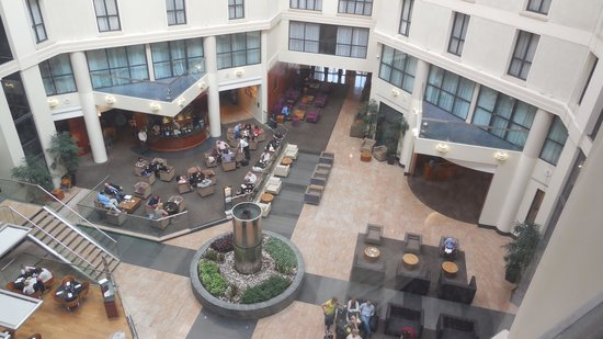 Sofitel London Gatwick : Internal courtyard