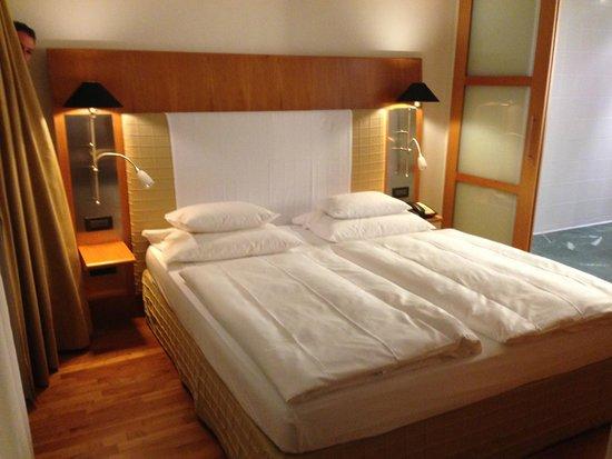 The Mandala Hotel: Bedroom - Exec Suite
