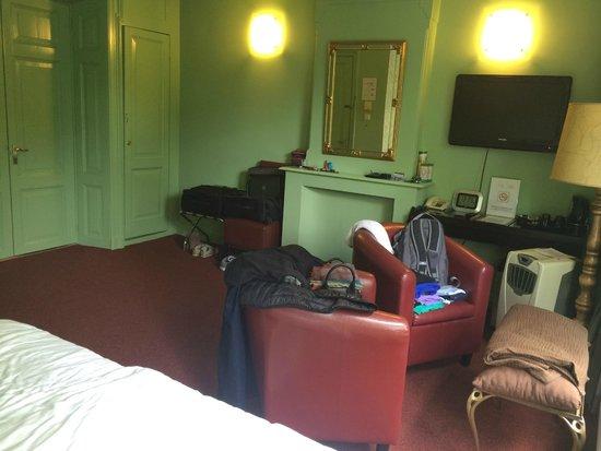't Hotel: Quarto espaçoso