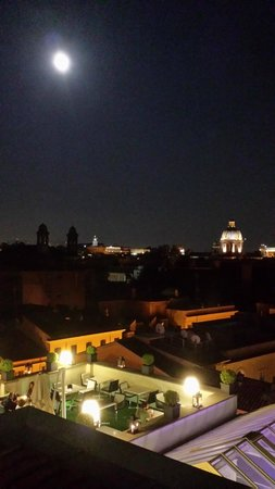 The First Luxury Art Hotel : View from terrace