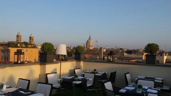 The First Luxury Art Hotel : Terrace restaurant