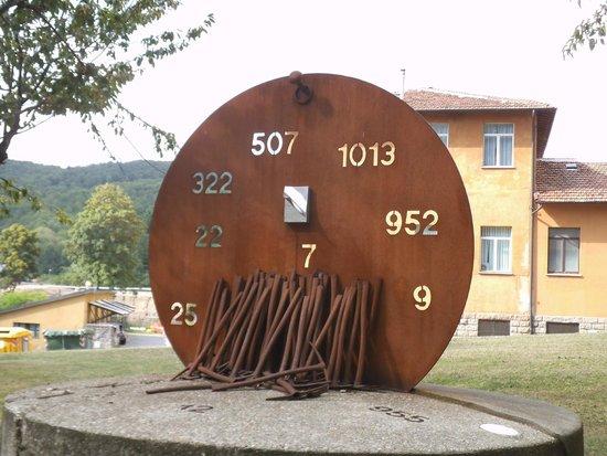 "Abbadia San Salvatore, Italie : Monumento "" Numeri di medaglia minatori """