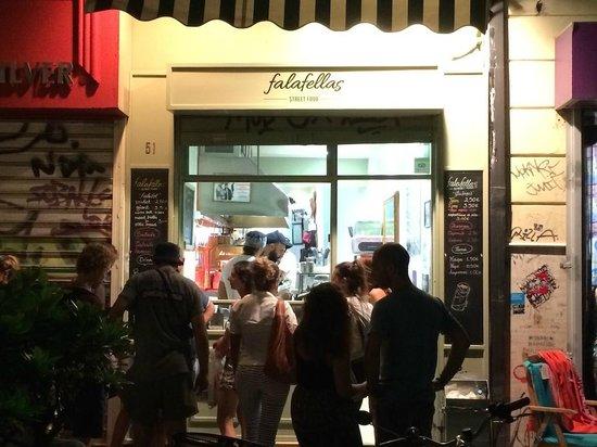 Falafellas: Falafella in the evening