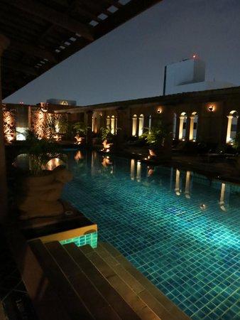 Crowne Plaza Bangkok Lumpini Park : Pool