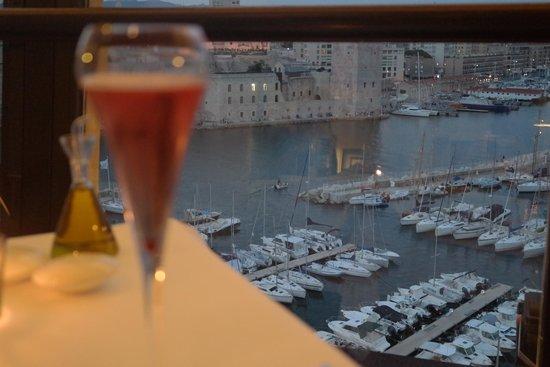 Sofitel Marseille Vieux-Port: Vista do restaurante