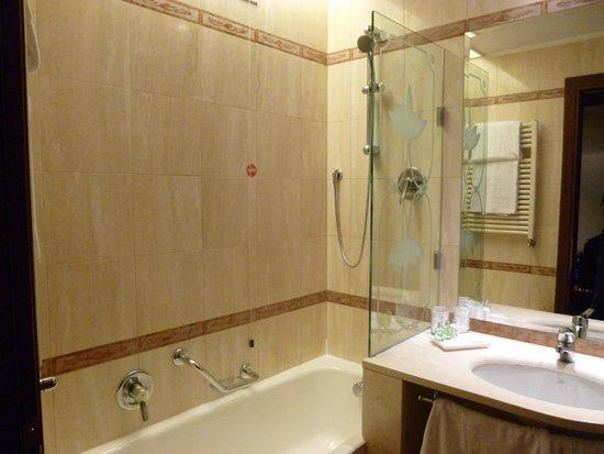 NH Milano Machiavelli : Baño habitación doble
