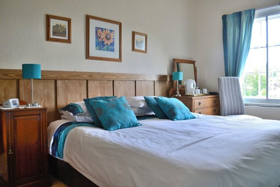 The Severn Arms Hotel: A double room