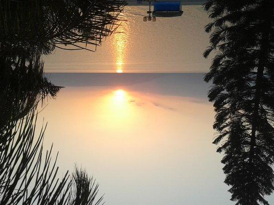 Ron Beach Hotel: Sunrise at the Ron Beach