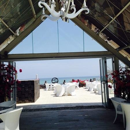 Sing Ken Ken Lifestyle Boutique Hotel : roof top area where you cant have food