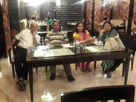 Radisson Blu Kaushambi Delhi NCR: Vipul Sharma , Me , Mrs. Sunita Gupta and Mrs. Sunita Sharma