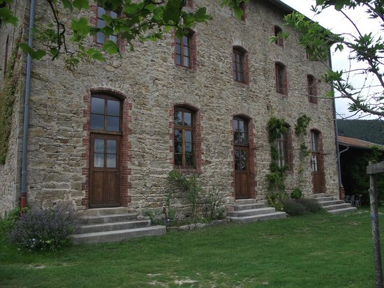 Saint-Symphorien-de-Mahun, Frankrike: La batisse