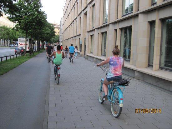 Mike's Bike Tours : riding