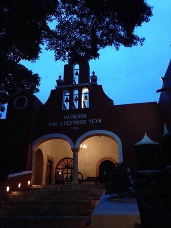 Hacienda Teya : Frente