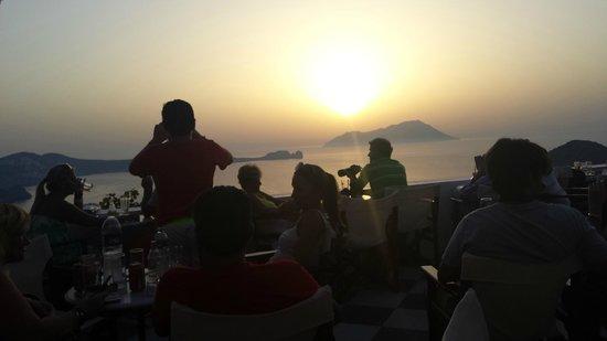Utopia Cafe : Capturing the sunset