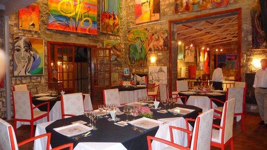 Le Cafe des Arts: salle de restaurant