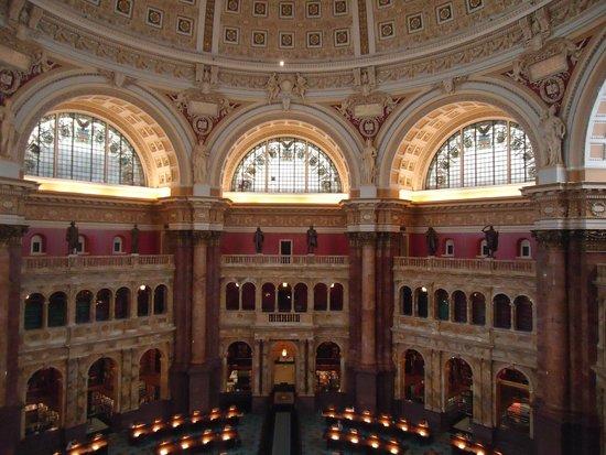 Biblioteca del Congreso: Reading Hall, the most beautiful building.
