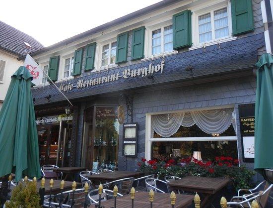 caf burghof solingen restaurant bewertungen telefonnummer fotos tripadvisor. Black Bedroom Furniture Sets. Home Design Ideas