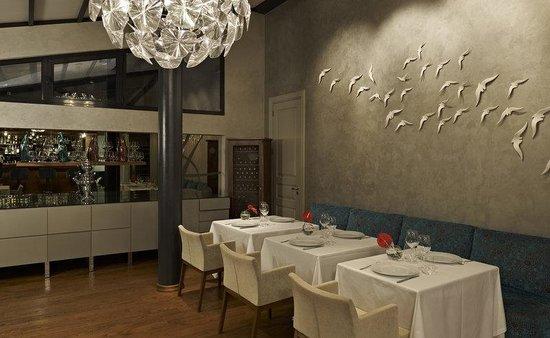 Tomtom Suites: La Mouette Restaurant