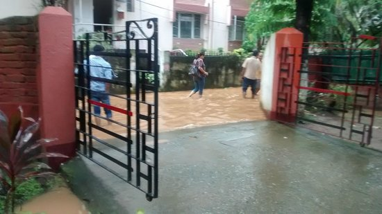 Naga Kitchen : road flooded after a sudden downpour