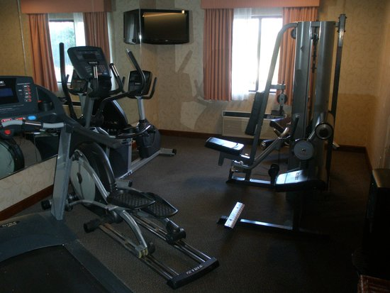 Baymont Inn & Suites Louisville South I 65: Workout Room
