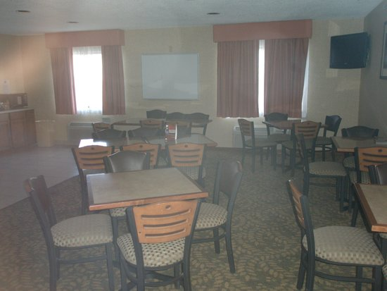 Baymont Inn & Suites Louisville South I 65: Breakfast Room