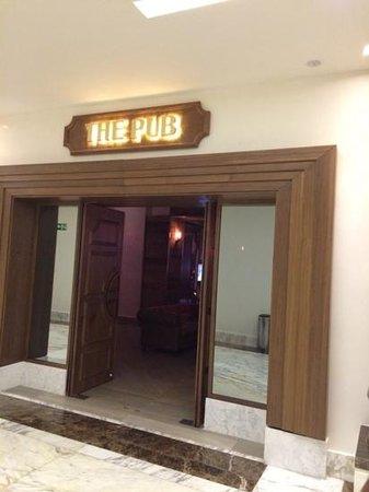 Moon Palace Cancun: The Pub Nizuc