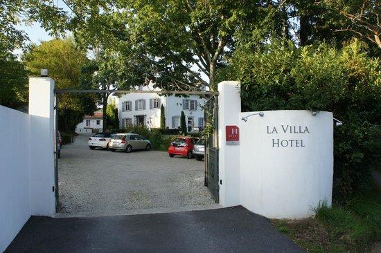 La Villa Hotel: 入口