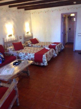 Hotel Parque Tropical : Habitación