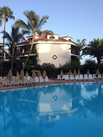 Hotel Parque Tropical : Zona común