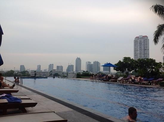 Chatrium Hotel Riverside Bangkok: pool