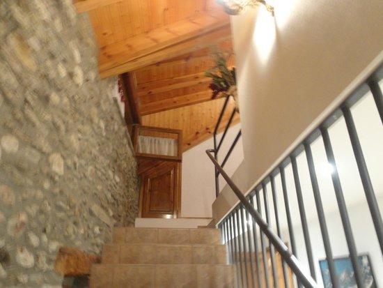 Cal Marrufes: Escaleras del hotel