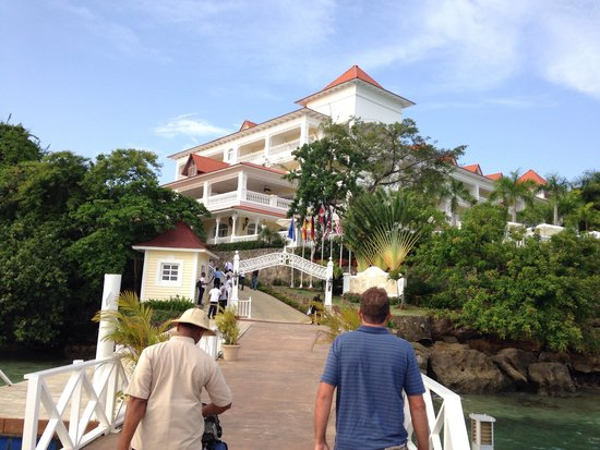 Luxury Bahia Principe Cayo Levantado Don Pablo Collection: Arrival via ferry