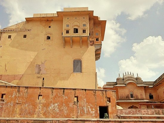 Nahargarh Fort: Front view