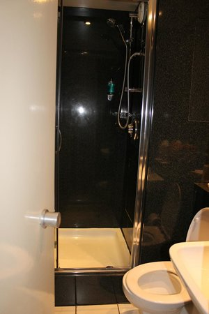 St Giles London - A St Giles Hotel: doccia