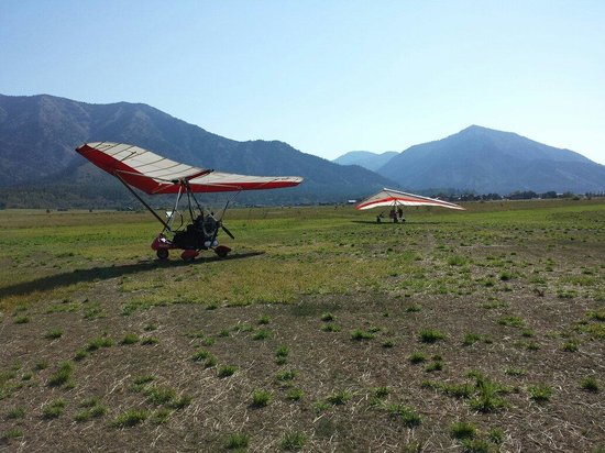 Cowboy Up Hang Gliding: Tow plane and glider